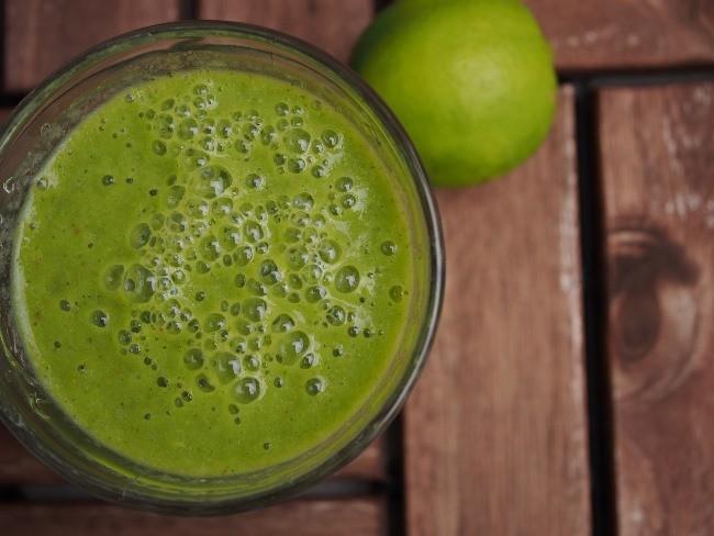 zelené smoothie se spirulinou
